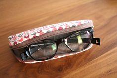 Etui à lunettes Glass case
