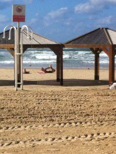 Tel Aviv Yoga at the Beach #deliciousisrael
