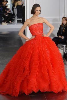 Défilé Haute Couture Dior Automne Hiver 2012-2013                                                                                                                                                                                 Plus