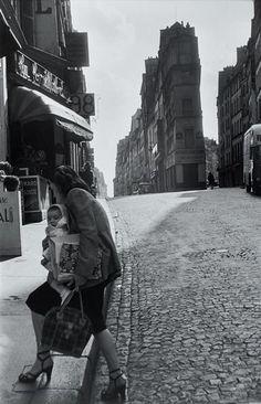 Henri Cartier-Bresson, Rue de Cléry, Paris, 1952