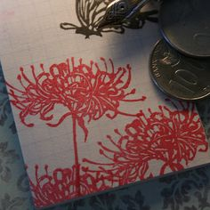 連続で押すと圧倒的。サイズ:5×5センチ|ハンドメイド、手作り、手仕事品の通販・販売・購入ならCreema。 Red Spider Lily, Silk Ribbon Embroidery, Chinese Painting, Tokyo Ghoul, Creema, Creations, Weaving, Japan, Stitch