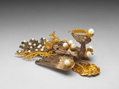 Birch-bark phoenix finial with gold inlay, Qing Court work, Qing dynasty, century. National Palace Museum, Feather Headdress, Lace Veils, Velvet Hair, Feather Design, Gold Silk, Qing Dynasty, Museum Collection, Traditional Outfits