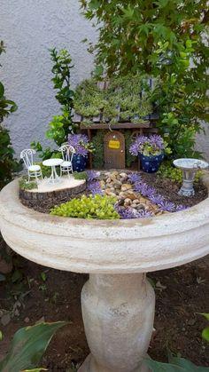 Bird bath fairy garden â… - Mini Garden Bird Bath Garden, Mini Fairy Garden, Fairy Garden Houses, Gnome Garden, Fairy Gardening, Organic Gardening, Gardening Tips, Indoor Gardening, Bird Bath Planter
