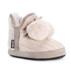 Show off your style while lounging at home in these dainty slippers with a decorative pompom to show off your girly side. These comfort-fitting slippers are crafted with polyester and acrylic material