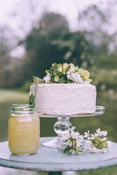 45 Delicious One-Tier Wedding Cakes To Get Inspired   HappyWedd.com