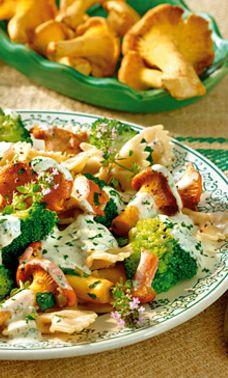Ein echtes Lieblingsrezept: Farfalle mit Pfifferlingen - http://kochen.bildderfrau.de/rezepte/rezept_farfalle-mit-pfifferlingen_218998.aspx  #nudeln #pasta