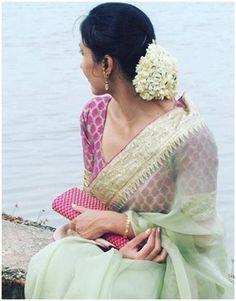 Five Best Saree Blouse Designs – Fashion Asia Simple Sarees, Trendy Sarees, Stylish Sarees, Fancy Sarees, Indian Dresses, Indian Outfits, Indian Clothes, Organza Saree, Drape Sarees