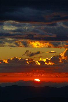Himalayan Sunset -(ノಠ益ಠ)ノ