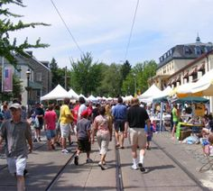 Chestnut Hill Fall for the Arts Festival Sunday, October 7, Shutting Down Germantown Avenue With Food, Music, Art, Shopping And More. #SEPTA Routes: 23, Broad Street Line, Chestnut Hill East, Chestnut Hill West.