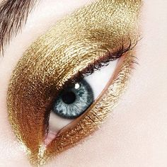 Un maquillage d'or