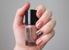 Unha da semana esmalte Delicada Koloss Nails