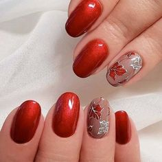 21 Trendy Fall Color Nails for Your Perfect Mani ❤ Stylish and Chic Metallic Fall Color Nails picture 1 ❤ Fall color nails trends is something you should learn before the season comes. In case you missed the chance to get ready, we are here at your servic Halloween Nail Colors, Halloween Nail Designs, Fall Nail Colors, Halloween Nails, Spooky Halloween, Cute Nails, Pretty Nails, Almond Nails Designs, Fall Nail Art Designs