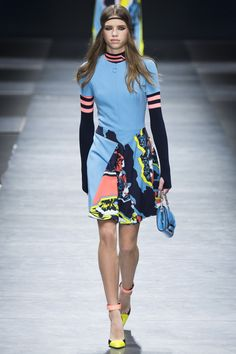 Versace Fall 2016 Ready-to-Wear Fashion Show  http://www.theclosetfeminist.ca/  http://www.vogue.com/fashion-shows/fall-2016-ready-to-wear/versace/slideshow/collection#20