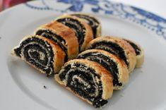 Itt a nagy bejgli útmutató kezdőknek - Receptek | SóBors Cake Cookies, Sushi, Bakery, Deserts, Food And Drink, Cooking Recipes, Sweets, Healthy, Ethnic Recipes