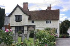 A medieval timber-framed building sitting on the church green at Clare, an unspoilt Suffolk market town. This welcoming and comfortable house exudes history.