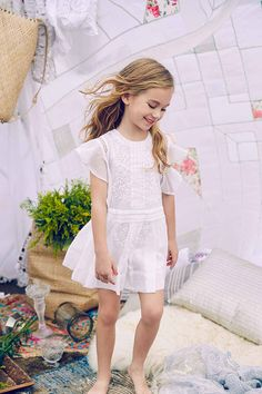 A collection of fresh, original and imaginative children's clothing By Fashion Designer Nelly Chen Cute Girl Outfits, Little Girl Dresses, Kids Outfits, Flower Girl Dresses, Beautiful Little Girls, Cute Girls, Summer Baby, Summer Girls, Blonde Boys
