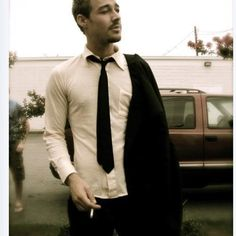 Daniel Johns looking suave.