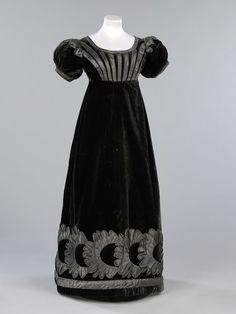 1823-25, Mourning dress made of silk velvet with silk satin appliqué, Scottish. Victoria & Albert Museum, London, UK.