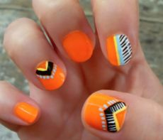 Feather Pattern Nails