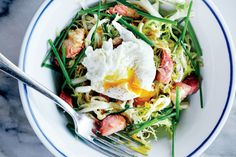 How To: This Frisée-Lardon Salad is Basically a French Bistro in a Bowl - Petit Trois, Los Angeles, CA