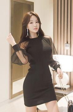glass1b Pretty Asian Girl, Beautiful Asian Women, Ulzzang Fashion, Korean Fashion, Sexy Outfits, Fashion Outfits, Womens Fashion, Buxom Beauties, Professional Outfits