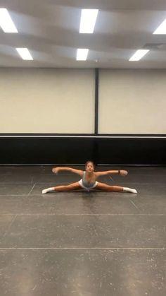 Ballet Dance Videos, Dance Tips, Dance Choreography Videos, Dance Poses, Gymnastics Videos, Acrobatic Gymnastics, Ballet Shows, Flexibility Dance, Dancer Workout