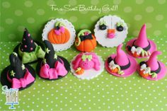 Adorable fondant cupcake toppers by Sugar High Inc. Halloween Cupcake Toppers, Fondant Cupcake Toppers, Halloween Cookies, Halloween Treats, Cupcake Cakes, Cupcake Ideas, Cookie Ideas, Cup Cakes, Holiday Cupcakes