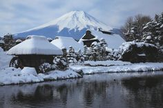 Oshino Hakkai and Mt. Fuji | 14 Beautiful Japanese Landscapes That Will Make You Want to Visit Now