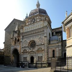 Colleoni chapel and masuoleum dated to 1476 in Bergamo, Italy (photo by sergiba-d47dcql.jpg (894×894)