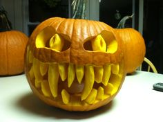 Scary Pumpkin Carving Ideas For Halloween In This Year 15 Scary Pumpkin Carving, Scary Pumpkin Faces, Pumpkin Art, Pumpkin Ideas, Pumpkin Soup, Vegan Pumpkin, Spooky Halloween, Halloween Pumpkins, Halloween Crafts