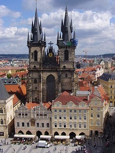 Prague! I know some peeps who went there last summer ;) beautiful!! Isn't it, Kelsey?