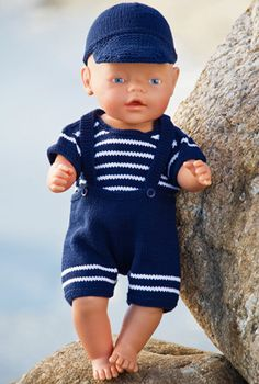 Knitting pattern on fine doll Baby Born Clothes, Preemie Clothes, Boy Doll Clothes, Knitting Dolls Clothes, Knitted Dolls, Sewing Clothes, Crochet For Boys, Crochet Baby, Girl Dolls