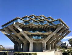 [OC] I visited UC San Diego this week. The Geisel Library is stunning. : brutalism