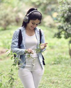 Cute Girl Poses, Girl Photo Poses, Girl Photos, Cute Girls, Photo Shoot, Beautiful Girl Photo, Cute Girl Photo, Beautiful Girl Indian, Most Beautiful Indian Actress