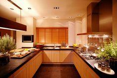 張貼者: Don 於 上午9:56 Cabinets Direct, Kitchens And Bedrooms, Quality Kitchens, International Trade, Kitchen Cabinets, Table, Furniture, Home Decor, Decoration Home