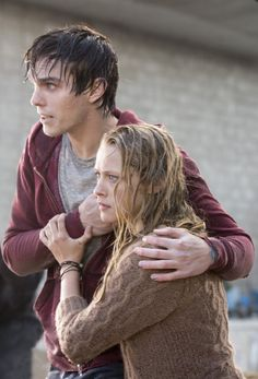 (Nicholas Hoult and Teresa Palmer in Warm Bodies)