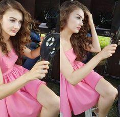 Turkish Women Beautiful, Turkish Beauty, Gorgeous Women, Cute Girl Face, Cute Girl Photo, Beautiful Celebrities, Beautiful Actresses, Girls Dp, Cute Girls