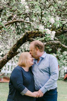Family Photography, Photography Ideas, Jenni, Photoshoot, Lifestyle, Couple Photos, Couples, Extended Family Photography, Photo Shoot