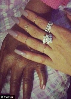 Get your claws out girls! Rihanna, Beyonce, Lady Gaga and Jessie J spark craze for pointy, razor-sharp 'stiletto nails'