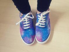 diy - galaxy print shoes   Calvi Rose •Acrylic paint- blue,pink,purple.white •Any black shoes •Sponge brush
