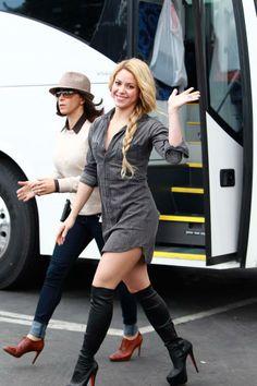 Shakira Shakira, Hipster, Punk, Celebrities, Sweaters, Dresses, Google, Style, Fashion