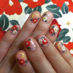 本日は椿のネイル☆*・゜星やお月様もっ・*。..。.:* #冬 #花 by shinoharatomoe http://ift.tt/1OYLrJc