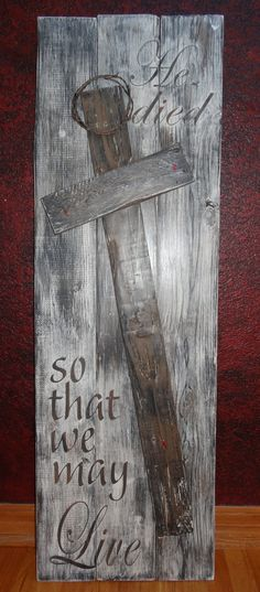Items similar to He died so that we may Live~Rustic hand painted wood Easter sign with Cross/Religious Wall Art/Crown of Thorns/Painted Easter Sign on Etsy Pallet Crafts, Pallet Art, Wood Crafts, Diy Crafts, Diy Pallet, Easter Crafts, Christmas Crafts, Easter Decor, Christmas Printables