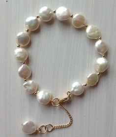 Hermosa pulsera en perla natural de agua dulce y Goldfilled  $49.990  Diseñada by Carol exclusivo para Thai Mystic