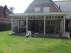Houten veranda met platdak