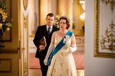 the crown queen elizabeth Helena Bonham Carter, Jonathan Pryce, Best Period Dramas, Best Dramas, Vanessa Kirby, Margaret Thatcher, Big Little Lies, Zoe Kravitz, Shailene Woodley