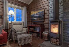 Roger's Hytteside - Den ferdige hytta New Homes, Home Appliances, Cottage, Cabin, Wood, Stove, Merry, Home Decor, House Appliances