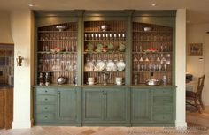 Traditional Light Wood Kitchen Cabinets© Crown Point Cabinetry (crown-point.com). Used by permission.