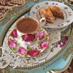 Coffee Drinks, Coffee Cups, Tea Cups, Good Morning Coffee, Turkish Coffee, I Love Coffee, Tea Recipes, Vintage Tea, High Tea