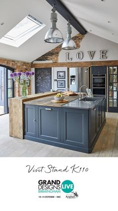Anniversary Items For Her: To Celebrate Two Months Of Relationship - Home Decor Ideas Home Decor Kitchen, New Kitchen, Interior Design Living Room, Home Kitchens, Kitchen Diner Extension, Kitchen Flooring, Grey Tile Floor Kitchen, Up House, Cuisines Design
